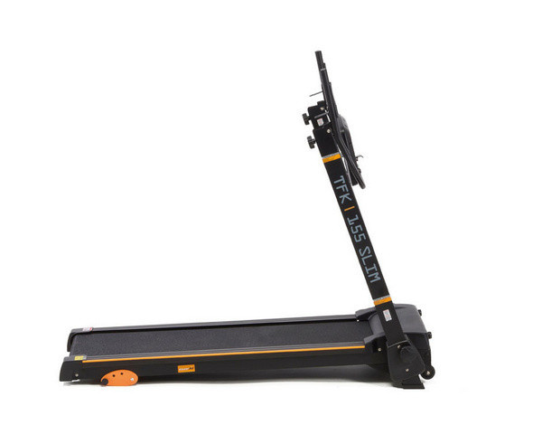 Az Everfit TFK 155 SLIM futópad egyszerűen és könnyen kezelhető, összecsukása nem igényel sem szerszámot, sem szakértelmet.