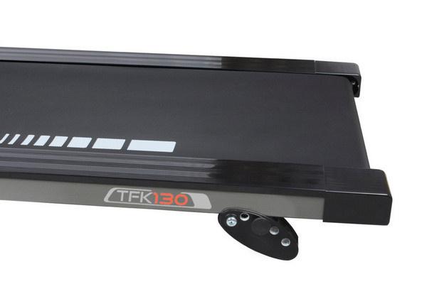 Az Everfit TFK 130 futópad futófelületének dőlésszöge igény esetén 0-3% között manuálisan állítható.