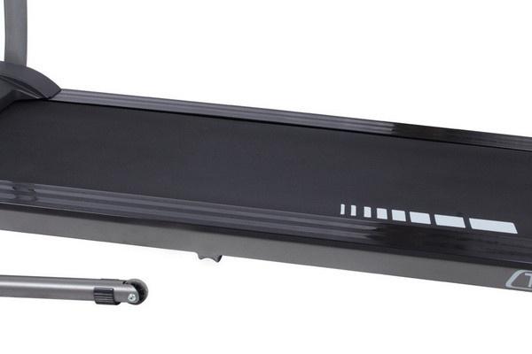 Az Everfit TFK 130 futópad futófelülete fejlett rezgéscsillapítással rendelkezik, ezzel is támogatva a balesetmentes otthoni edzést.