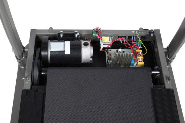Az Everfit TFK 200 futópad csendes 1,75 LE folyamatos teljesítményű (2,75 LE csúcsteljesítményű) motorja 14 km/h csúcssebesség elérését teszi lehetővé.