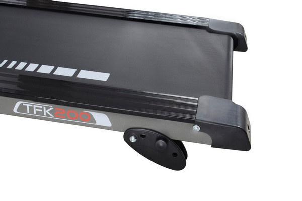 Az Everfit TFK 200 futópad dőlésszöge 0-3% között manuálisan állítható.