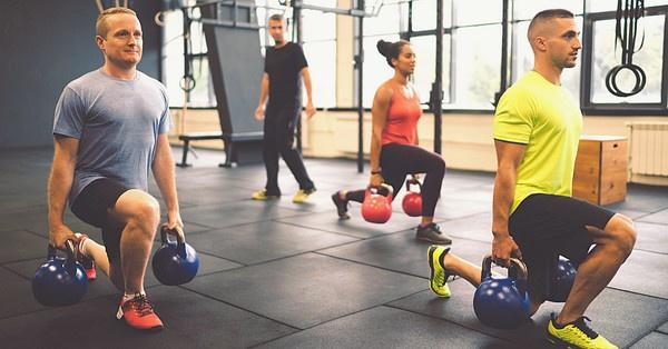 A súlyzós edzések is a cross training részét képezik.